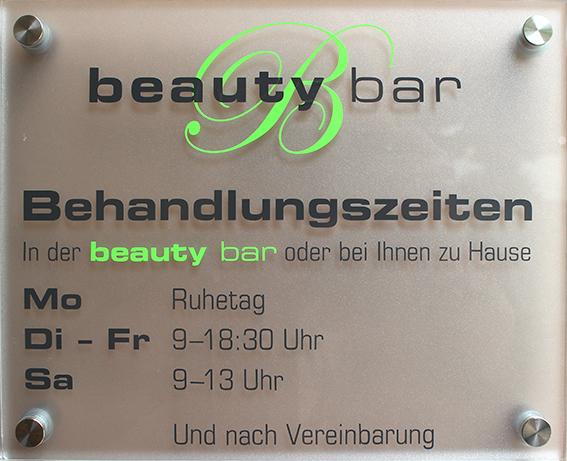 Die Behadlungszeiten in der beauty bar oder mit dem beaty bar Mobil bei Ihnen zu Hause!